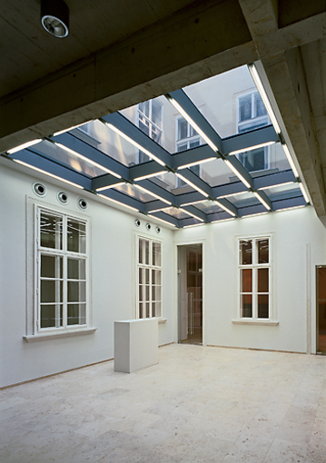 Foto Zentralfeuerwache Am Hof - Foyer Rupert Steiner